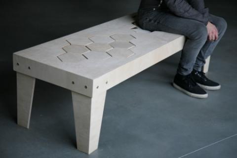 柔らかい木製のベンチ03