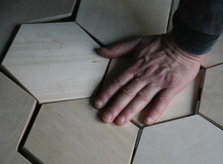 柔らかい木製のベンチ06