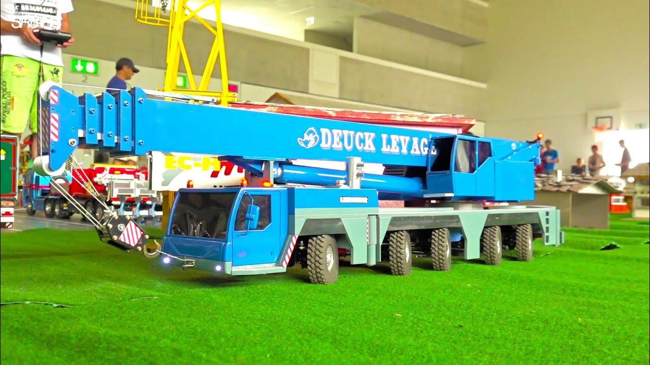 超巨大なクレーン車の!ラジコンを使って超巨大なクレーンのミニチュアを組立てる!