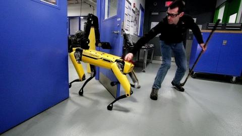 4本足のロボット01