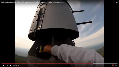 鉄塔にアンテナを立てる06