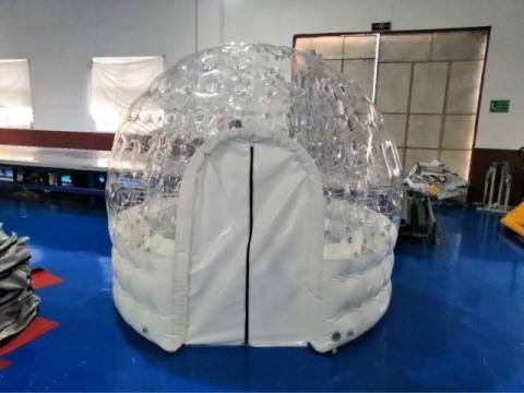 空気でふくらむテント05