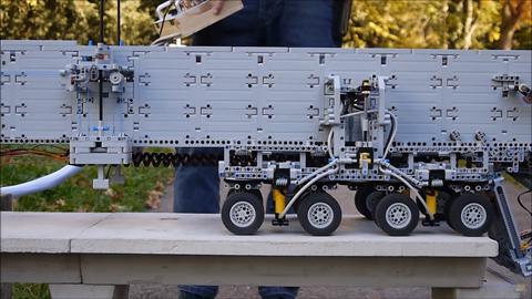 橋建設の自動車05