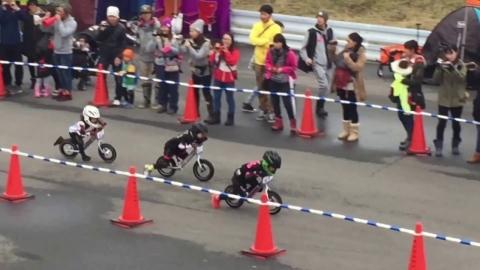 4歳の自転車レース01