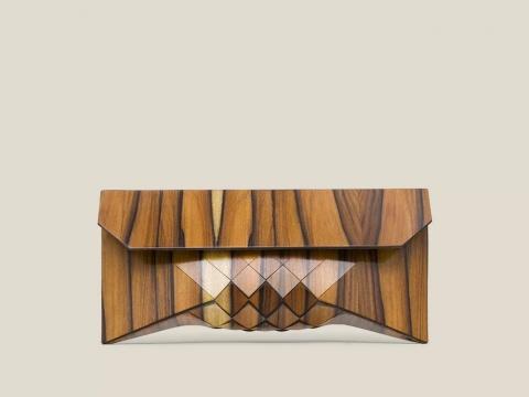 木製の財布01
