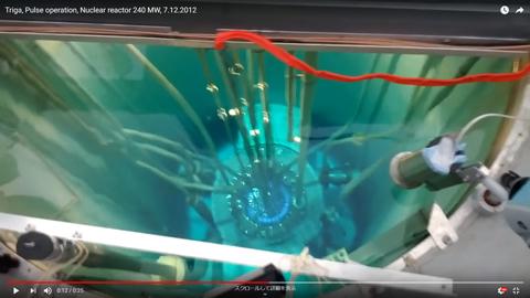 原子炉の青い光04