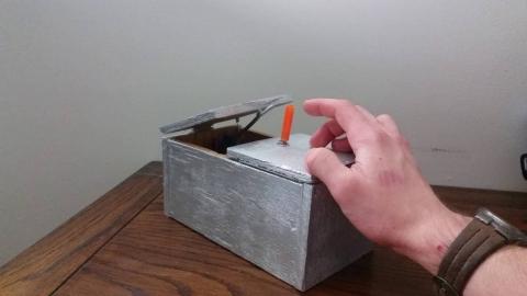 スイッチを切るロボット01