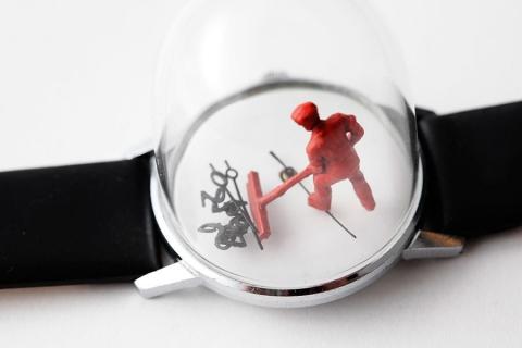 時計の針に彫刻02