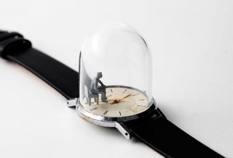 時計の針に彫刻04