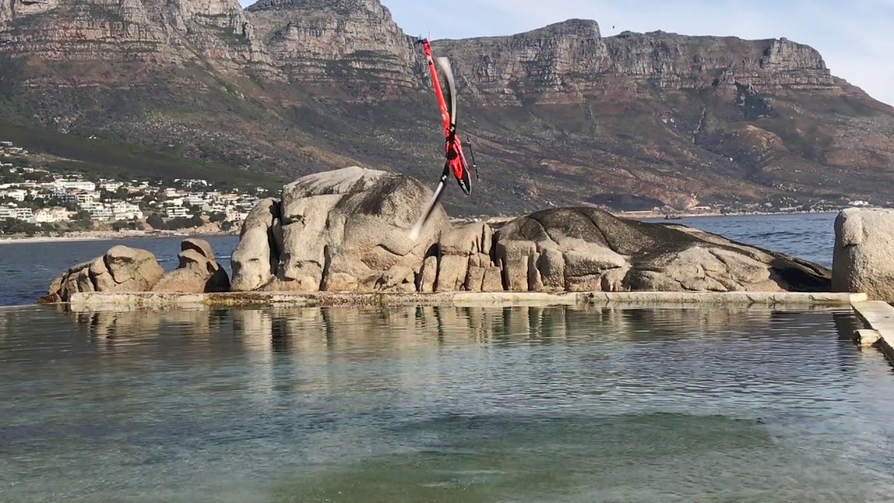 水面で荒ぶる!ラジコンのヘリの動きが凄い!!