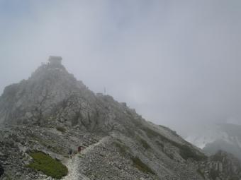雄山山頂を振り返って190726