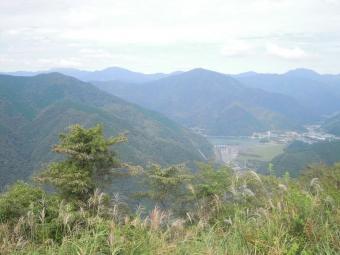 大野山から丹沢湖190929