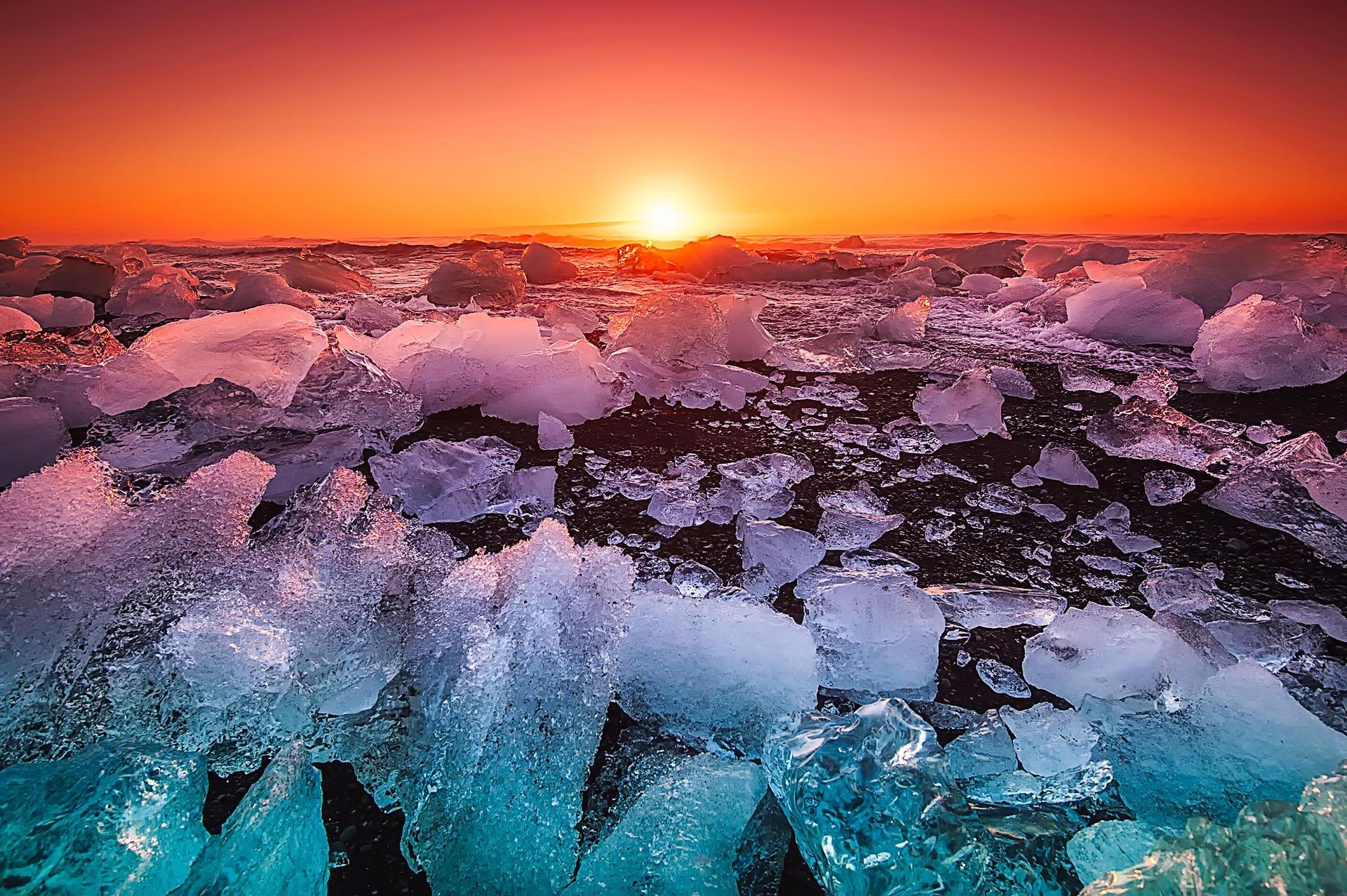iceland-2111809_1920.jpg