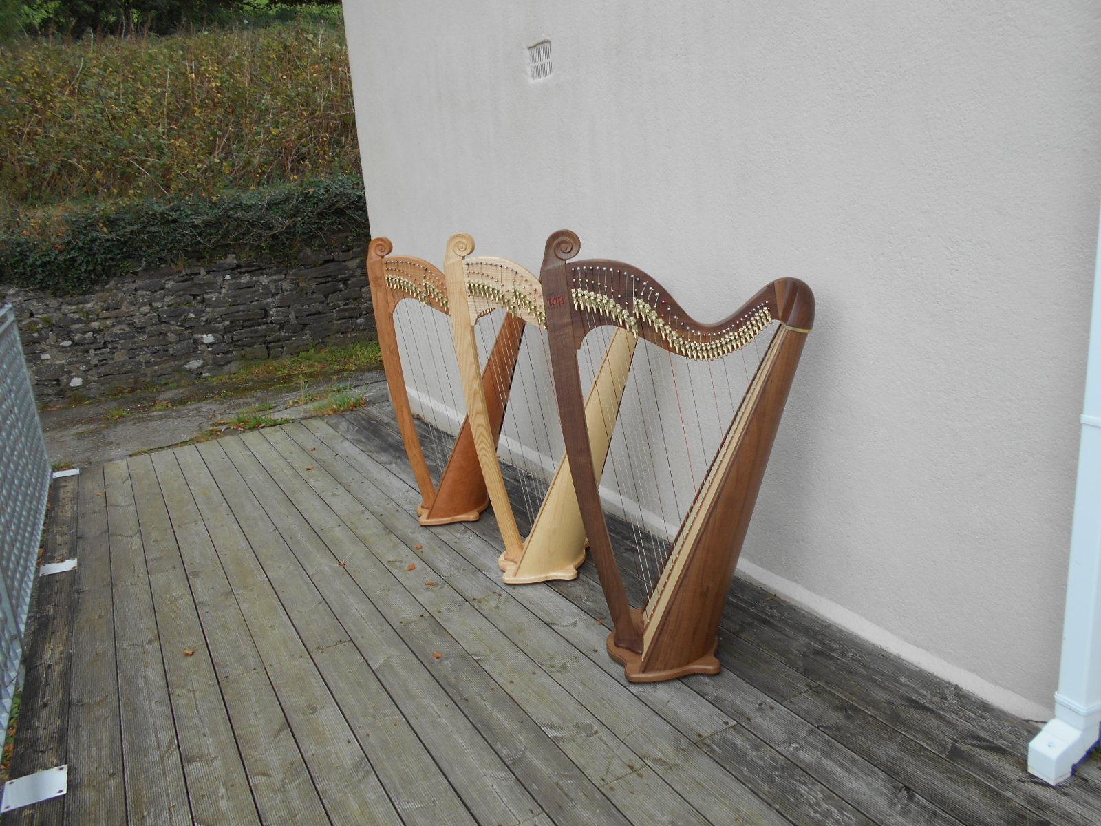 Japan harps