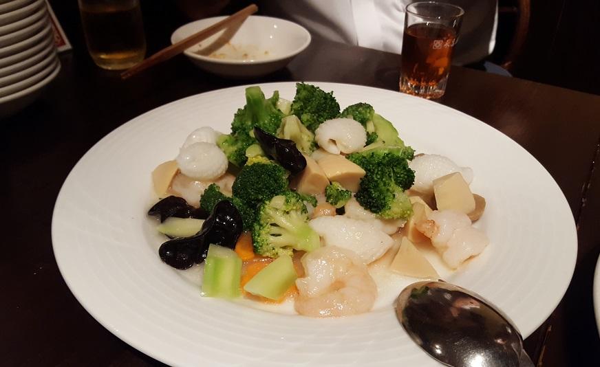 東大_西安刀削麺