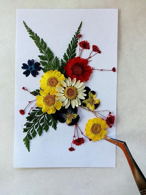 pressed-flowers-1721750_640.jpg
