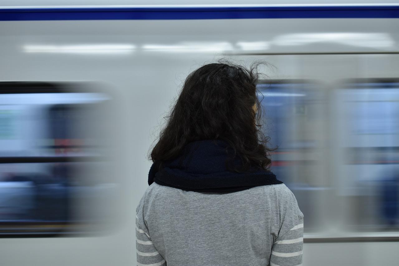 subway-2164661_1280.jpg