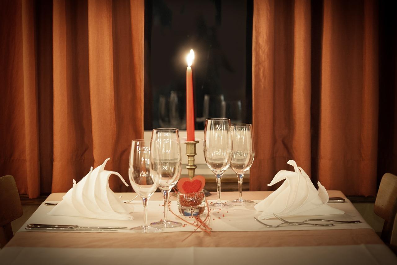 table-decoration-1449232_1280.jpg
