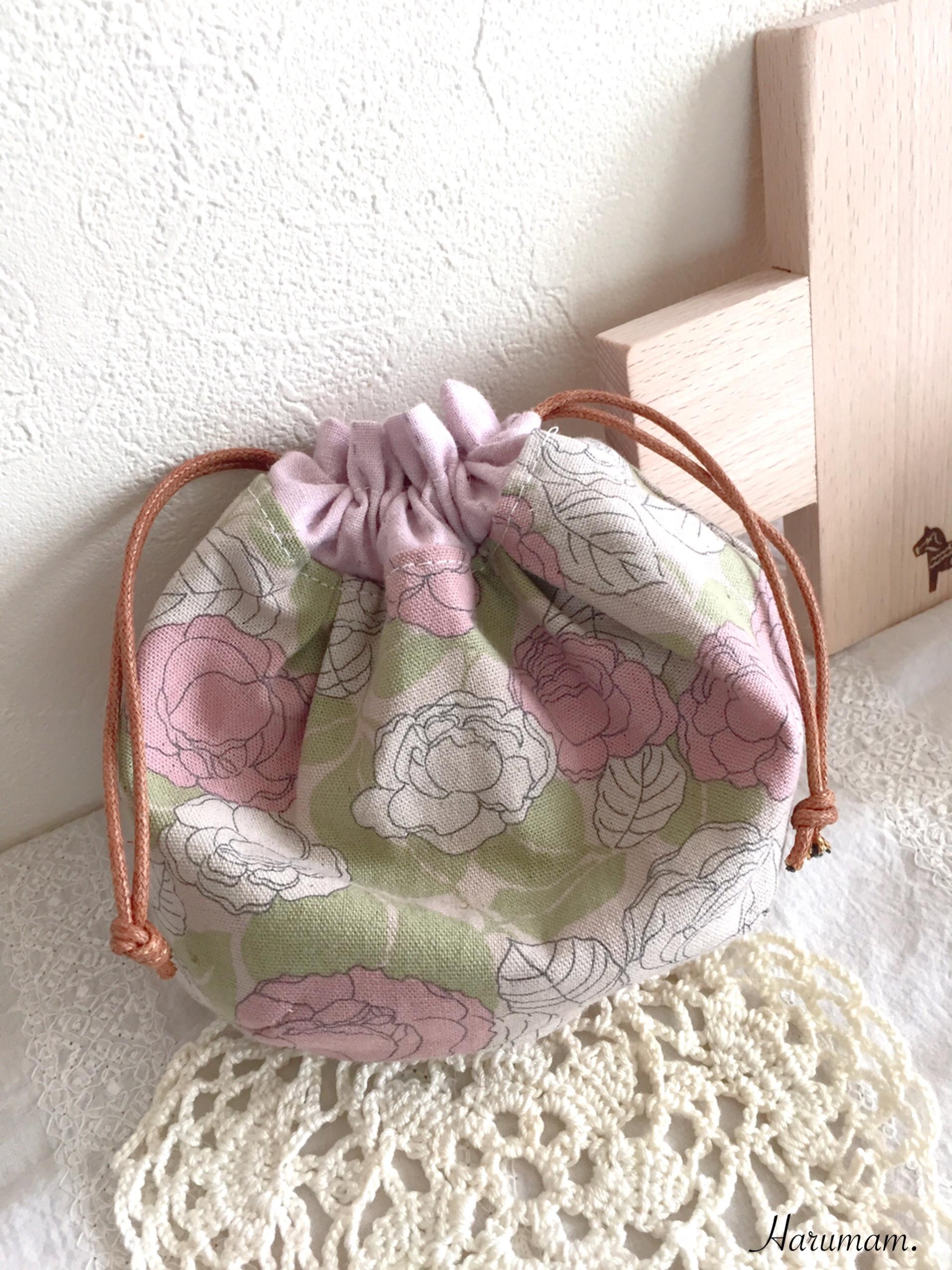 デコレクションズさんの生地で作った、ぷっくり巾着リバーシブル