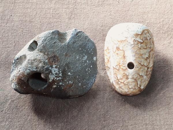 貫通孔の石笛