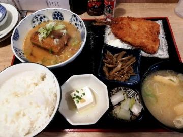 SFP HD 五の五 サバ味噌煮定食01 201902