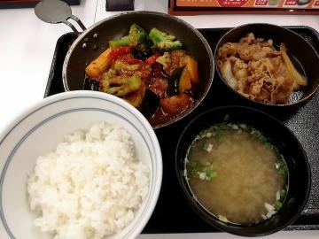吉野家HD ベジ牛皿定食01 1909 201902