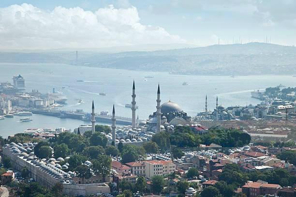 Istanbul_Bosporus_01.jpg