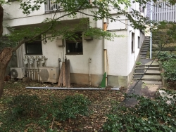 六本木ヒルズ 埋もれた階段1