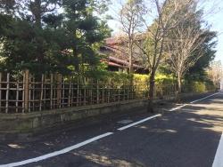 成城学園 生け垣の家1