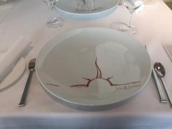 丸ビルレストラン サンス・エ・サブール お皿