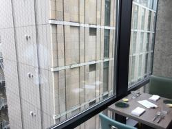 銀座1000円ランチ アロッサ窓際の席