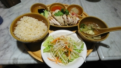 シンガポール海南鶏飯(ハイナンチーファン)シンガーポールチキンライス