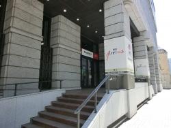 東京証券取引所 裏の入口 ビストロ トラディシオン