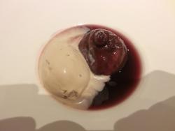 イチジクの赤ワイン煮 ピヴォワーヌ
