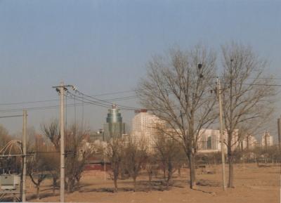 オリンピック開催予定地だった頃 2011年と同じビルが遠くに見える 2005年 北京