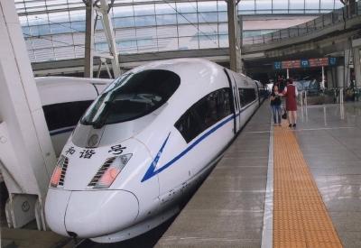 「和諧号」もスッカリ中国列車の花形 2015年 北京