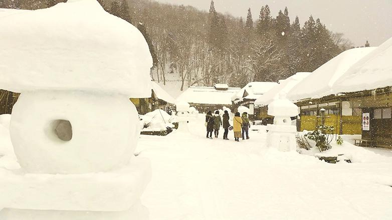 雪の大内宿1