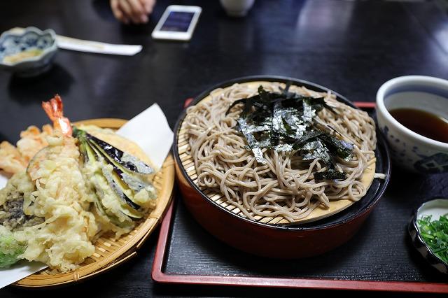 竹林でお昼