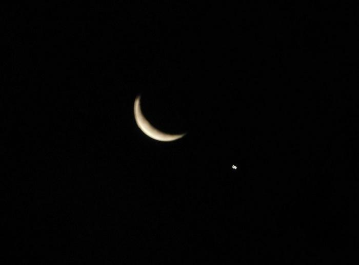 月と金星大接近3101
