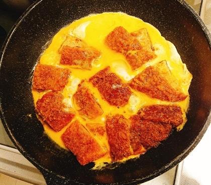 文明開化の香りするカレーパン丼5