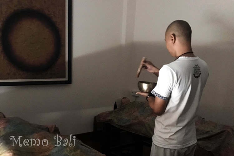 バリ島「Crystal Chakra Balancing(クリスタルチャクラバランシング)」 MemoBali