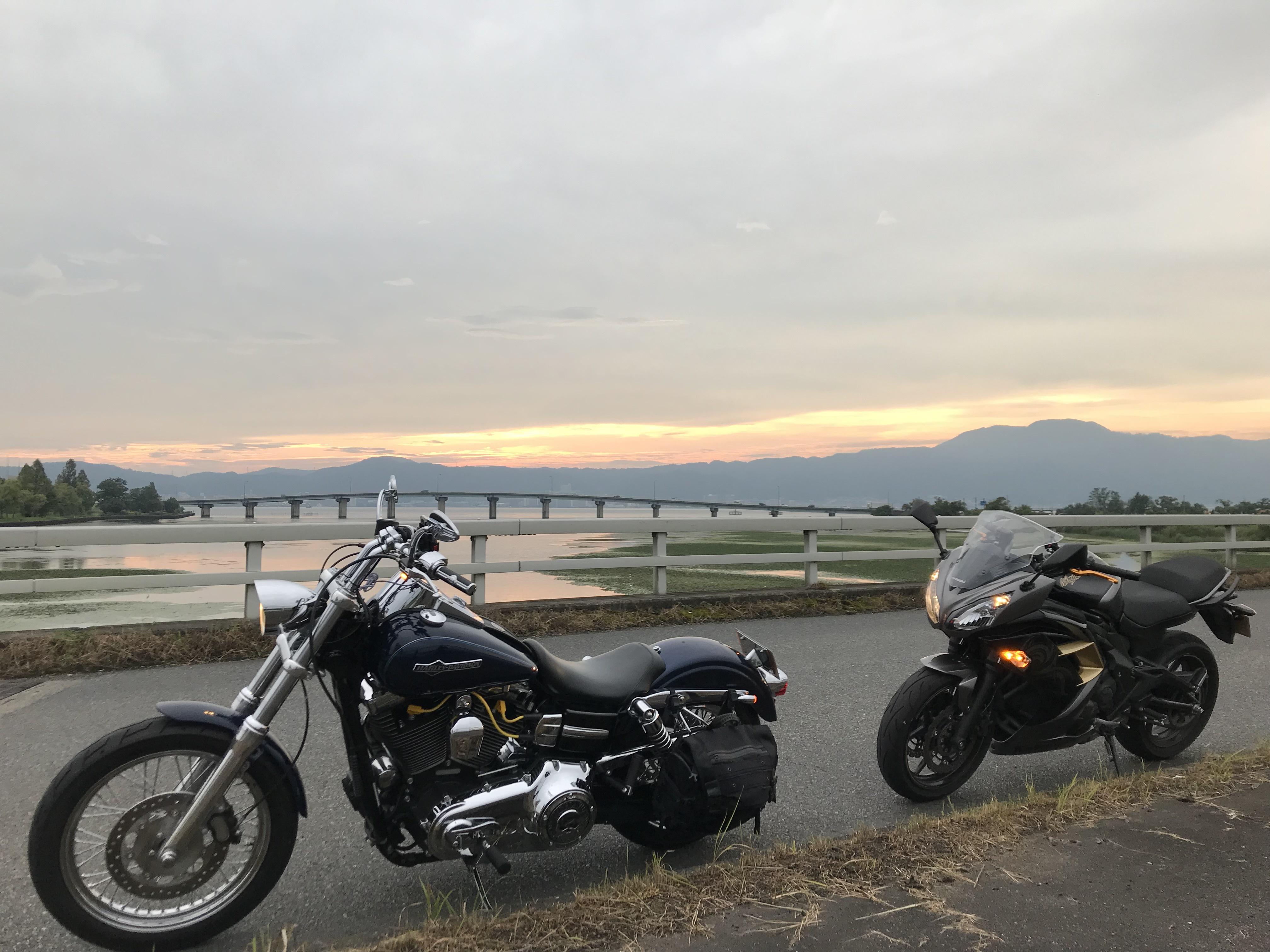 ハーレーダイナとカワサキで行く近江八幡ツーリング 夕焼け