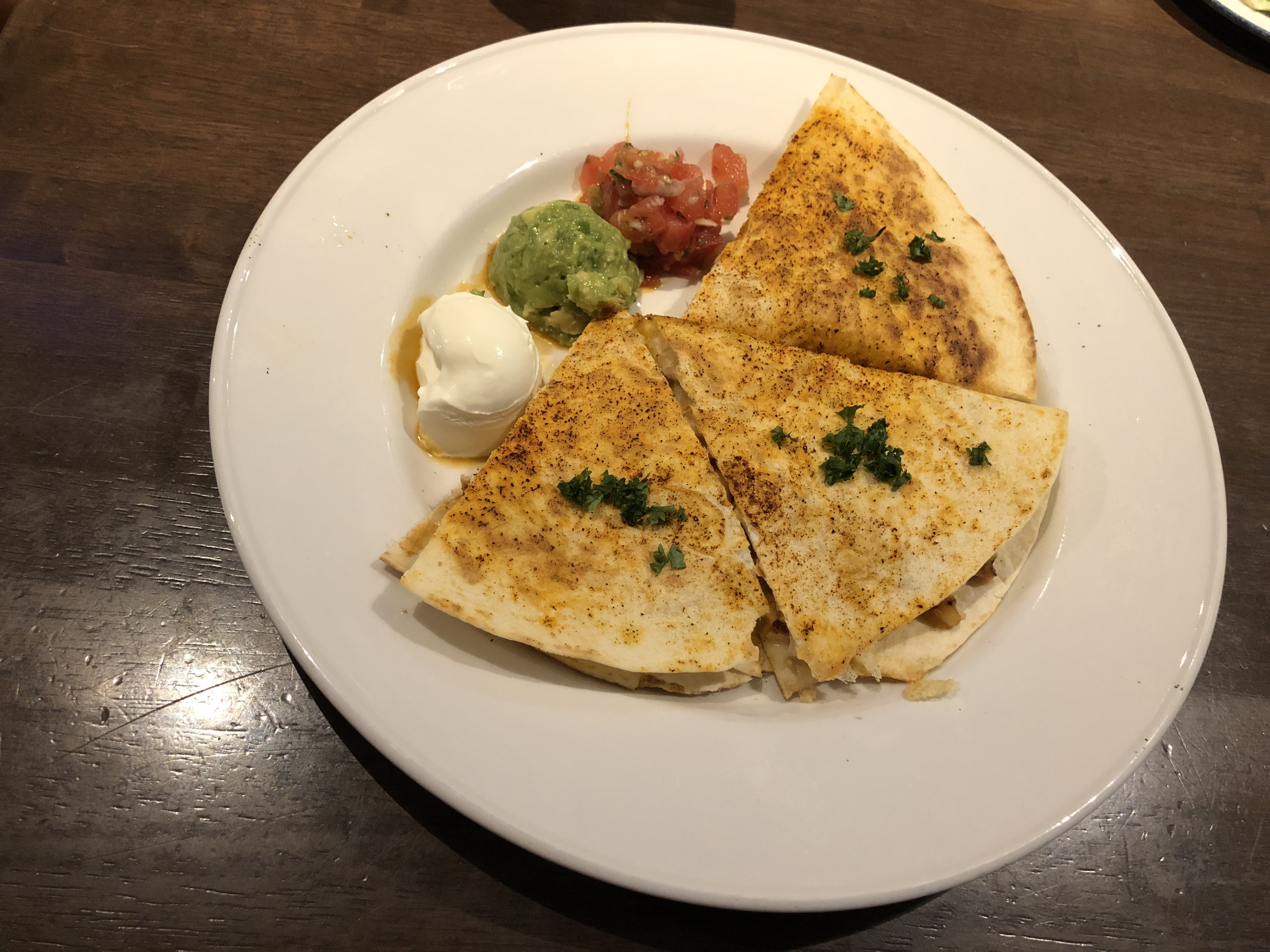 ハードロックカフェ大阪 グリルドチキンケサディア