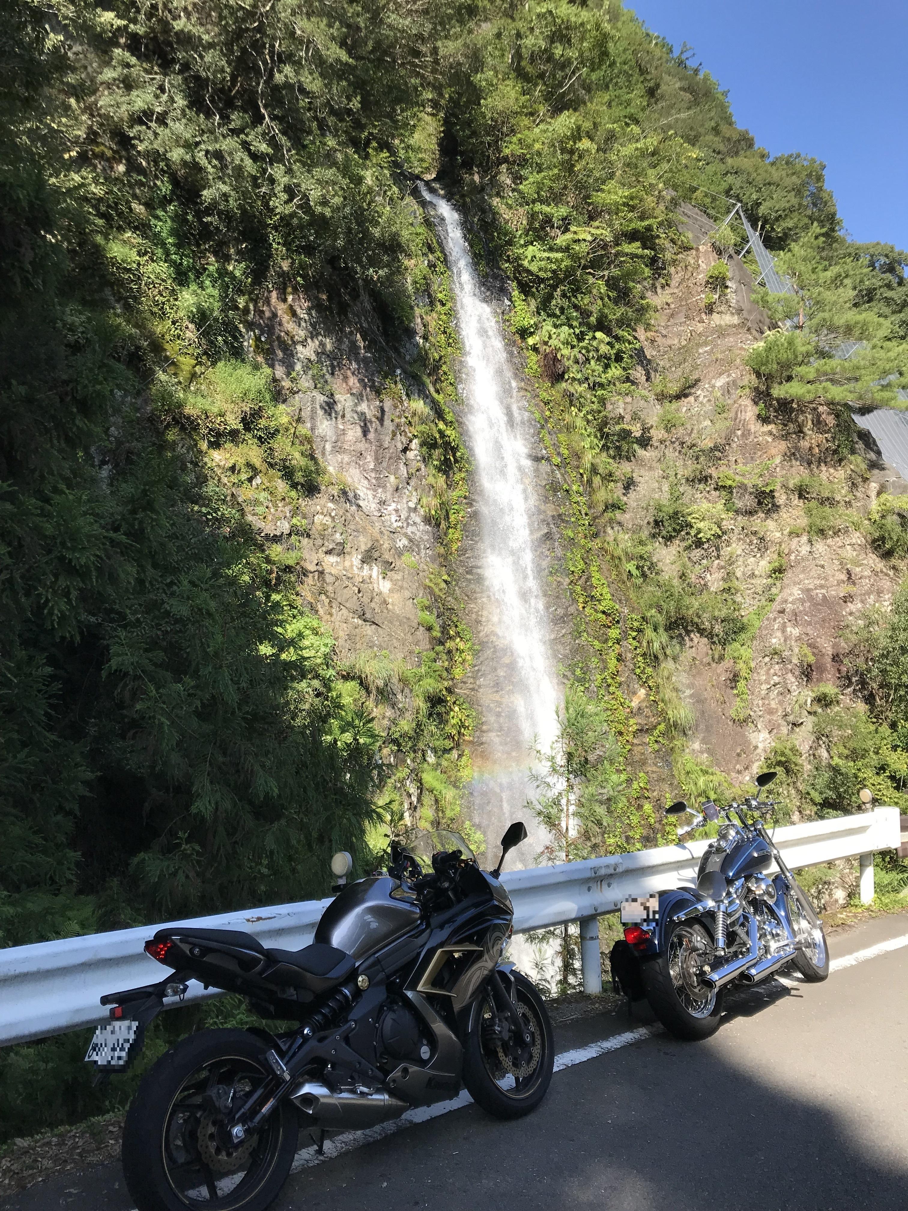 ぴーきち&ダイナ ハーレー で行く 十津川村 ツーリング 雷の滝