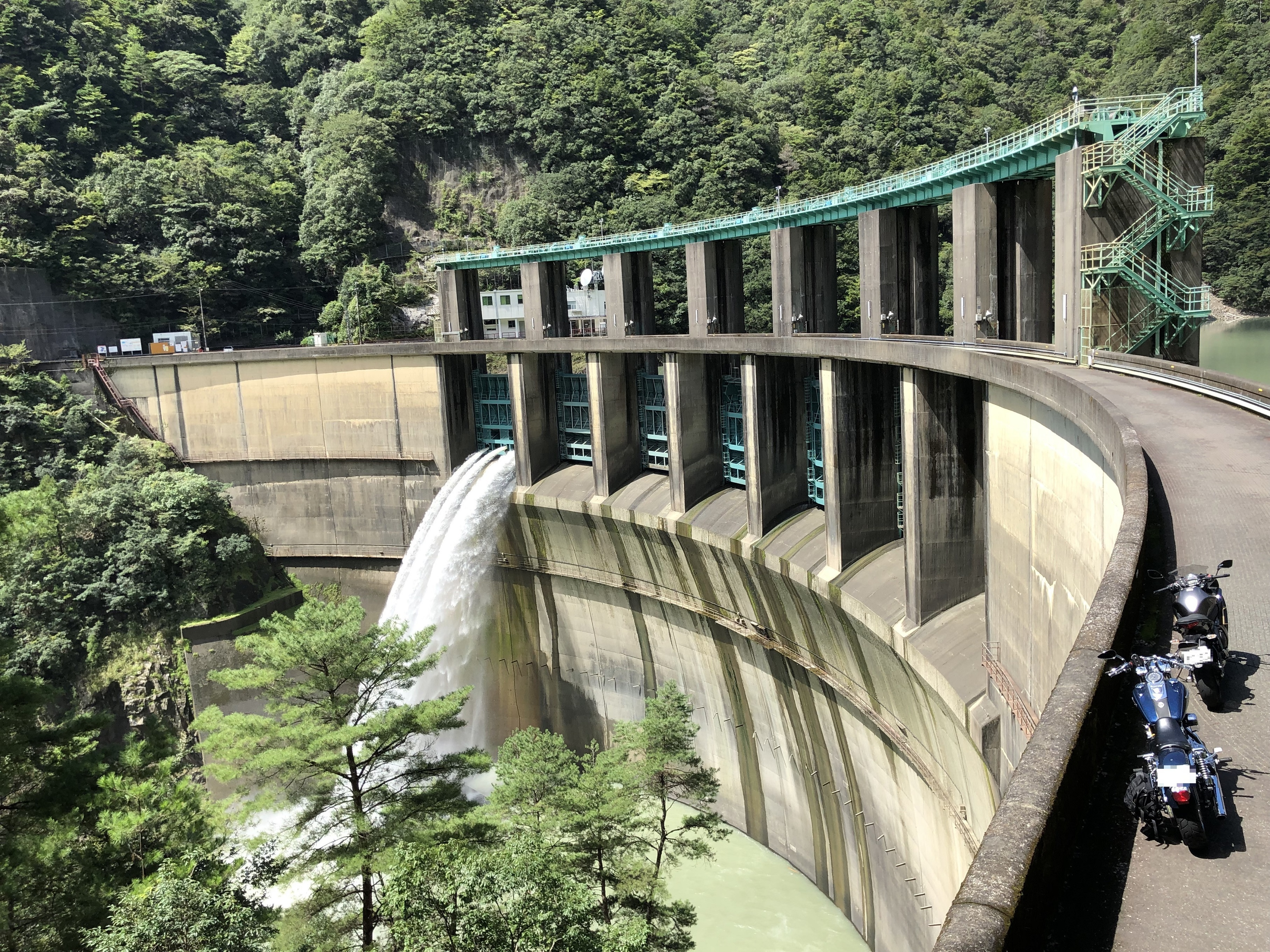 ぴーきち&ダイナ ハーレー で行く 十津川村 二津野ダム