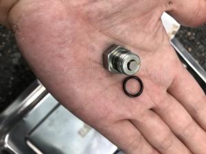 ハーレー エンジンオイル交換 3000キロ ドレンボルト ガスケット