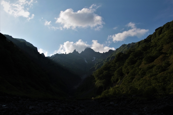 ヤムナイ沢