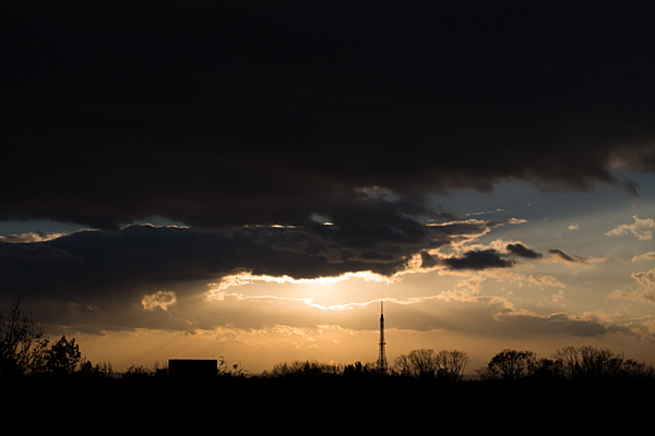 夕焼けと電波塔