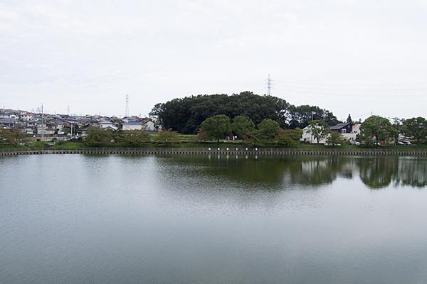 桶狭間の池風景