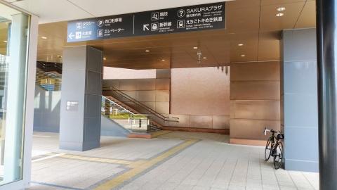 上越妙高駅。北陸新幹線と、旧信越本線の第三セクター移管部分の越後トキめき鉄道の駅になります。